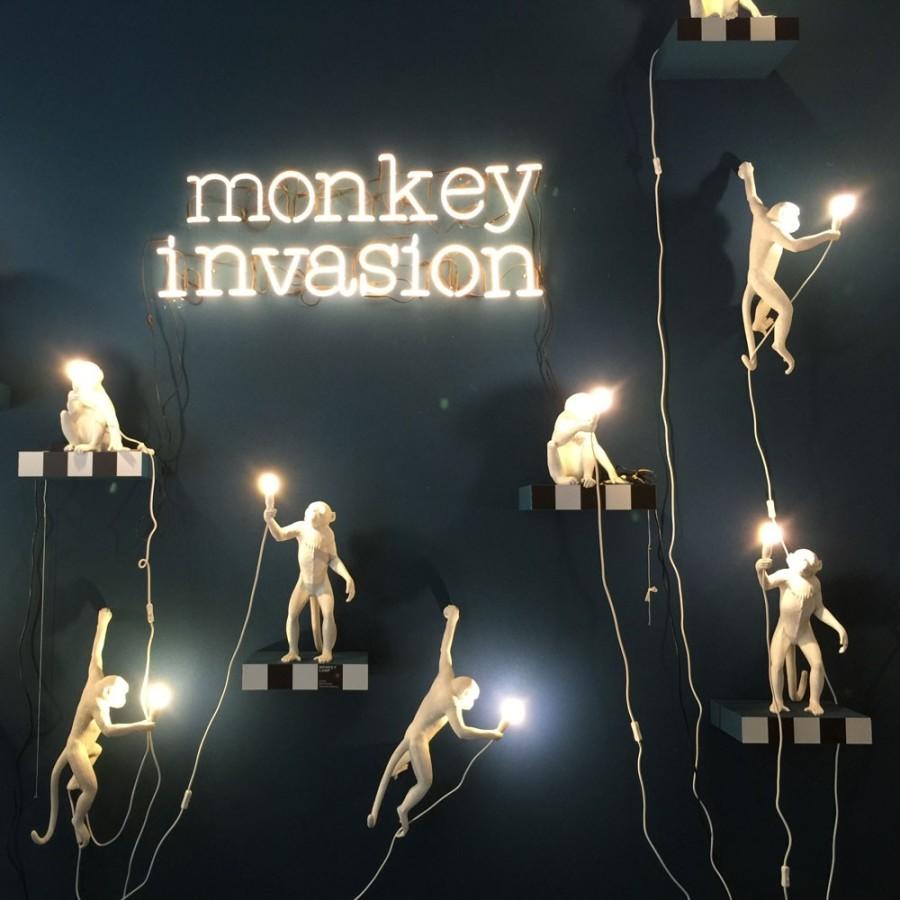 Seletti monkey lamp hanging 3