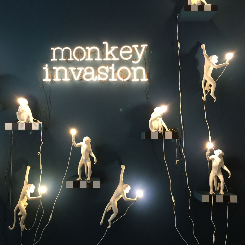 Seletti monkey lamp hanging