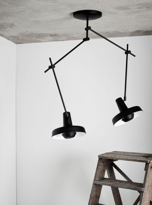 grupa-arigato-plafondlamp-AR-C2-drentenvandijk-zwart-sfeer