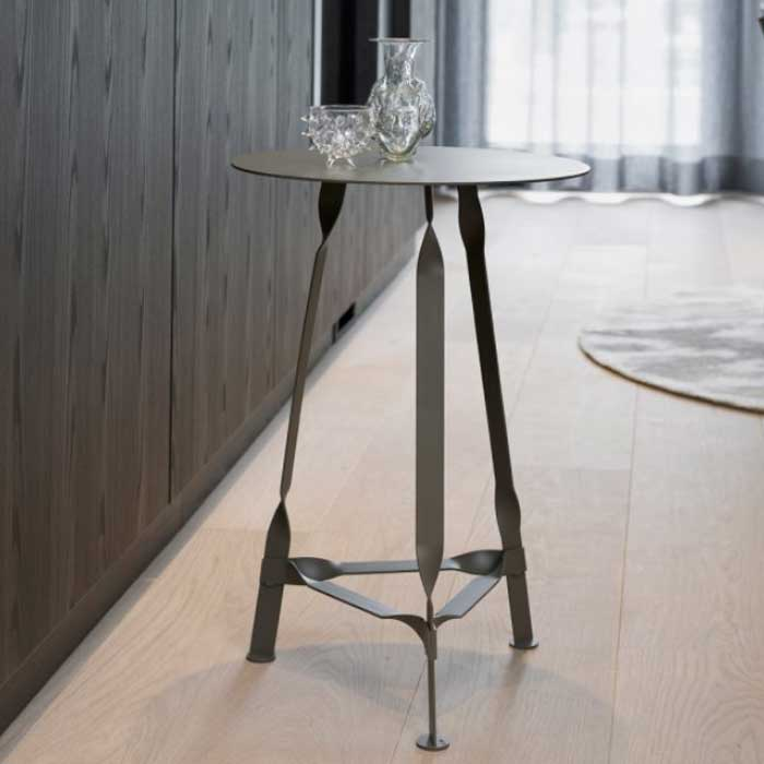 Functionals Twist Petit Side Table