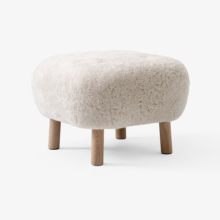 &tradition Little Petra Pouf ATD1 sheepskin moonlight oak