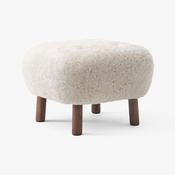 &tradition Little Petra Pouf ATD1 sheepskin moonlight walnoot