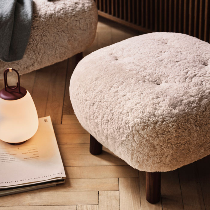 &tradition Little Petra Pouf ATD1 sheepskin walnoot